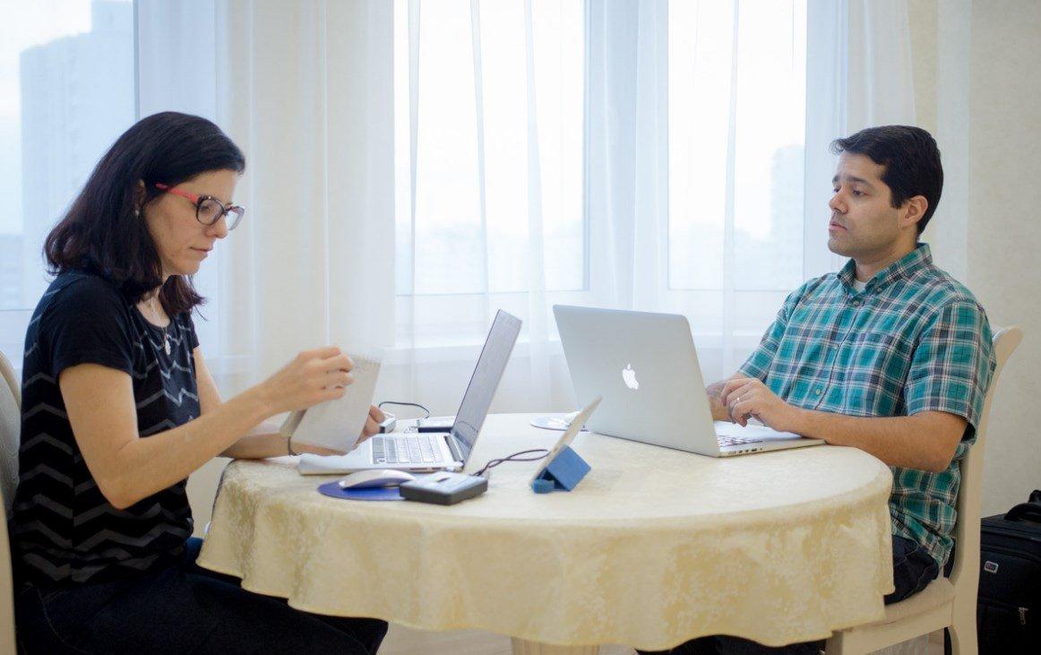 Brazilian couple works remotely from Minsk